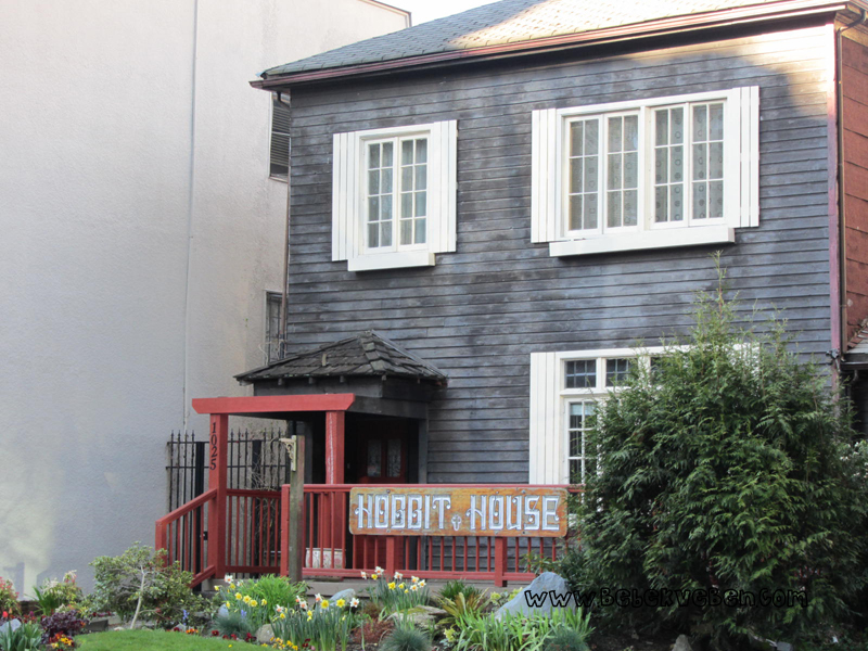 Vancouver Nelson St. Hobbit house